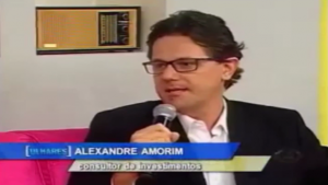Alexandre Amorim explica se vale a pena investir na poupança com a alta da inflação.