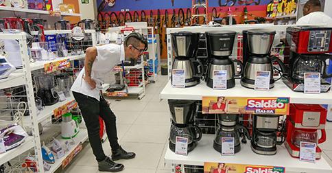 Folha de São Paulo - Black Friday chinesa quer competir com o comércio brasileiro