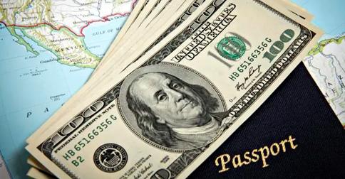 Infomoney - Vai viajar para o exterior Comprar dólar de última hora pode sair 7% mais caro