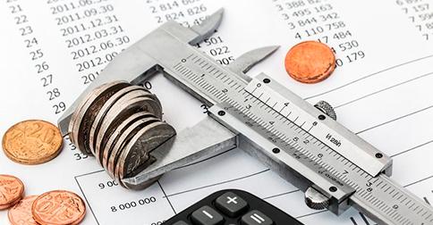 R7 - Nove em cada dez brasileiros devem usar 13º para pagar dívidas