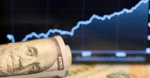 UOL Economia - Dólar acima de R$ 4,00 veio para ficar O que fazer se você vai viajar