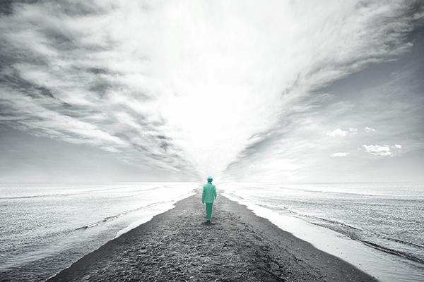 Tendências do mercado financeiro - Uma pessoa em destaque em meio a um caminho.